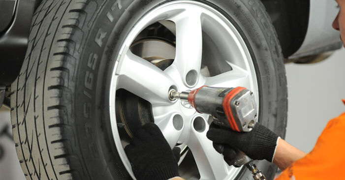 How to remove HYUNDAI SANTA FE 2.2 CRDi GLS 2009 Brake Pads - online easy-to-follow instructions