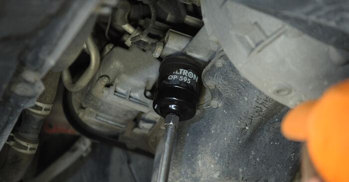 Wie schwer ist es, selbst zu reparieren: Ölfilter Mazda 3 Limousine 2.3 2009 Tausch - Downloaden Sie sich illustrierte Anleitungen