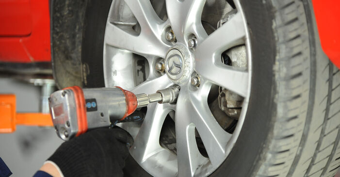 Veren zelf wisselen Mazda 3 Sedan 2006 1.6