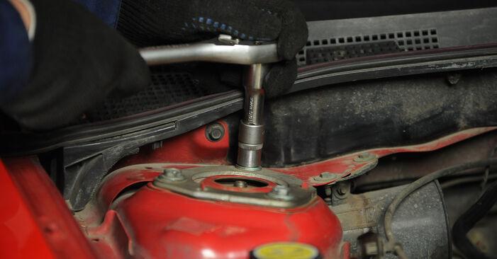 Stap voor stap tips om Mazda 3 Sedan 2009 1.4 Veerpootlager zelf te wisselen