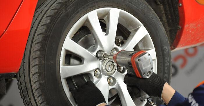 Колко време отнема смяната: Спирачни Накладки на Mazda 3 Седан 2004 - информативен PDF наръчник