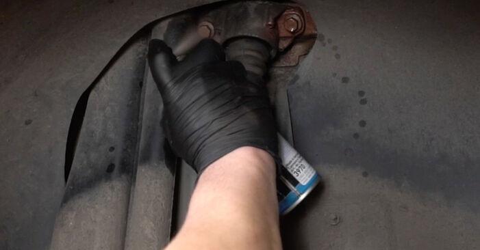 Vanskelighetsgrad: Bytte av Støtdemper på Mazda 3 Sedan 2.3 2009 – last ned illustrert veiledning