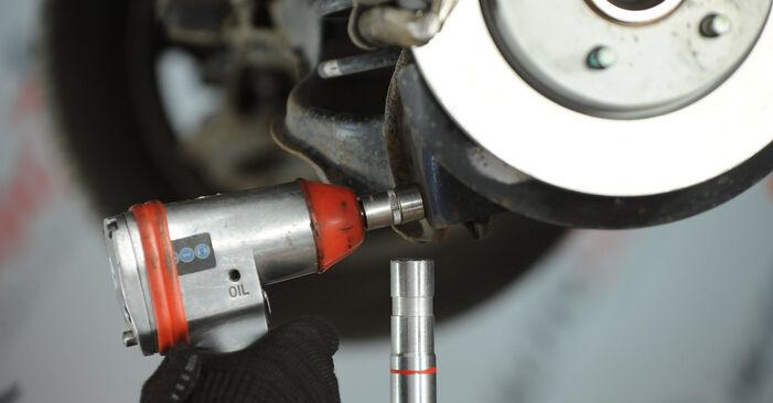 Jak wymienić Zawieszenie w MAZDA 3 sedan (BK) 2008: pobierz instrukcje PDF i instrukcje wideo
