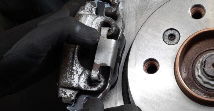Zweckdienliche Tipps zum Austausch von Bremsscheiben beim BMW 3 Limousine (E36) 325i 2.5 1995