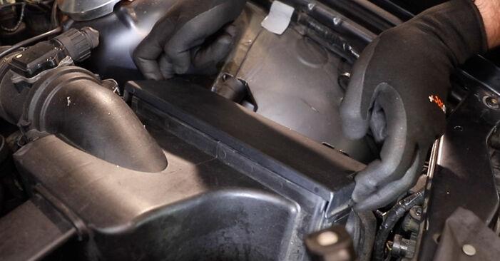 BMW E36 325tds 2.5 1996 Luftfilter austauschen: Unentgeltliche Reparatur-Tutorials