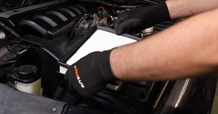 Wie lange benötigt das Auswechseln der Teile: Luftfilter beim BMW E36 1995 - Detailliertes PDF-Tutorial