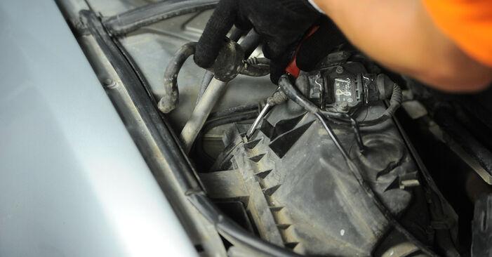 Patstāvīga Audi A4 B5 Avant 1996 1.9 TDI Gaisa filtrs nomaiņa