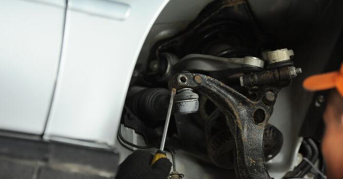 A4 Avant (8D5, B5) 1.8 T quattro 1997 Track Rod End DIY replacement workshop manual