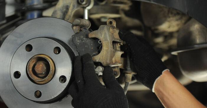 Wie lange braucht der Teilewechsel: Bremsscheiben am Audi A4 B5 Avant 1994 - Einlässliche PDF-Wegleitung