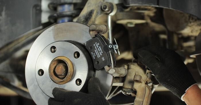 Ersetzen Sie Bremsscheiben am AUDI A4 Avant (8D5, B5) 1.8 T 1997 selber