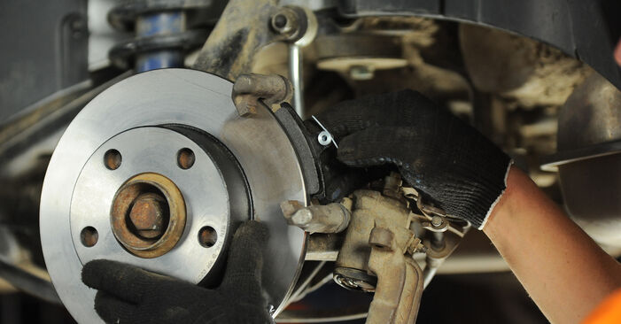 Klocki Hamulcowe w AUDI A4 Avant (8D5, B5) S4 2.7 quattro 2000 samodzielna wymiana - poradnik online