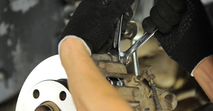 Jak trudno jest to zrobić samemu: wymień Klocki Hamulcowe w Audi A4 B5 Avant 2.5 TDI 2000 - pobierz ilustrowany przewodnik