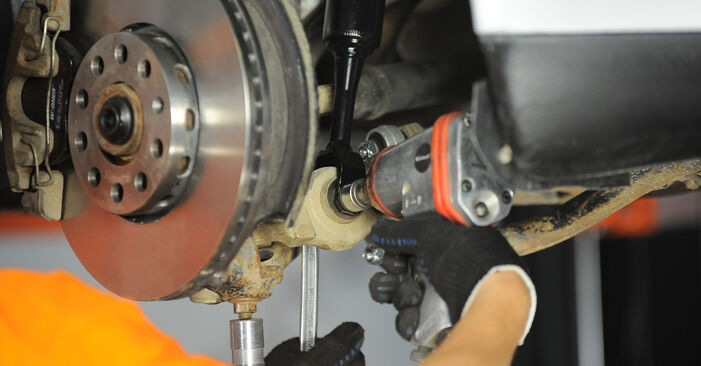 Recomendaciones paso a paso para la sustitución por su cuenta Audi A4 B5 Avant 1999 1.8 T quattro Amortiguadores