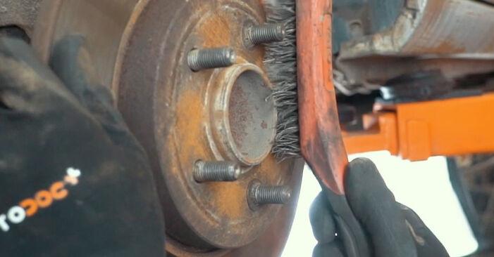 Išsamios Ford Mondeo mk3 Sedanas 2005 ST220 3.0 Rato guolis keitimo rekomendacijos