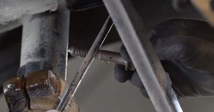 Wie schwer ist es, selbst zu reparieren: Federn Ford Mondeo mk3 Limousine 2.2 TDCi 2006 Tausch - Downloaden Sie sich illustrierte Anleitungen