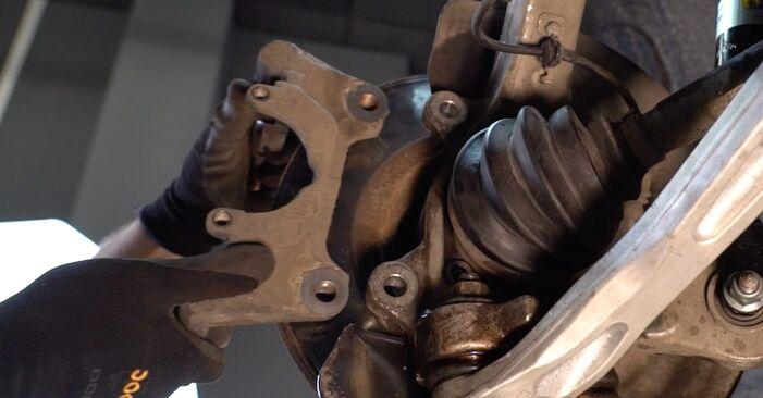 Tarcza hamulcowa w AUDI A4 Avant (8D5, B5) S4 2.7 quattro 2000 samodzielna wymiana - poradnik online