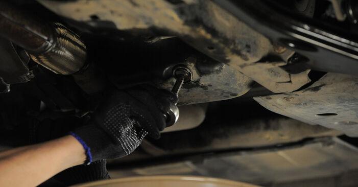 Hvordan skifte Oljefilter på OPEL Astra H Caravan (A04) 2009: Last ned PDF- og videoveiledninger