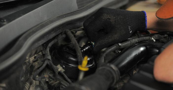 Tausch Tutorial Kraftstofffilter am OPEL Astra H Caravan (A04) 2005 wechselt - Tipps und Tricks