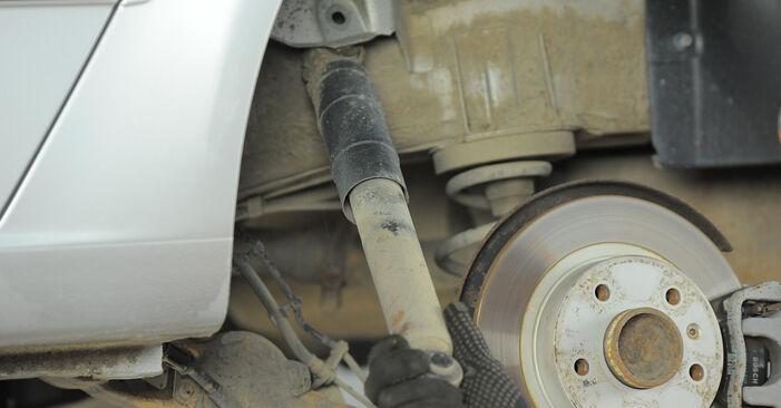 Tausch Tutorial Stoßdämpfer am OPEL Astra H Caravan (A04) 2005 wechselt - Tipps und Tricks