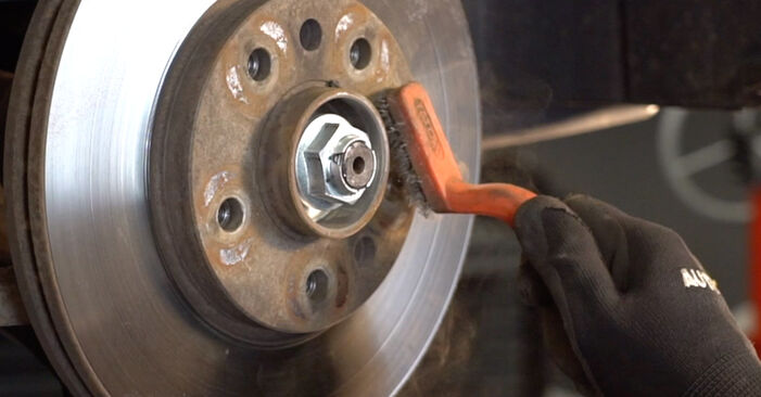 Cómo cambiar Discos de Freno en un Astra H Caravan 2004 - Manuales en PDF y en video gratuitos