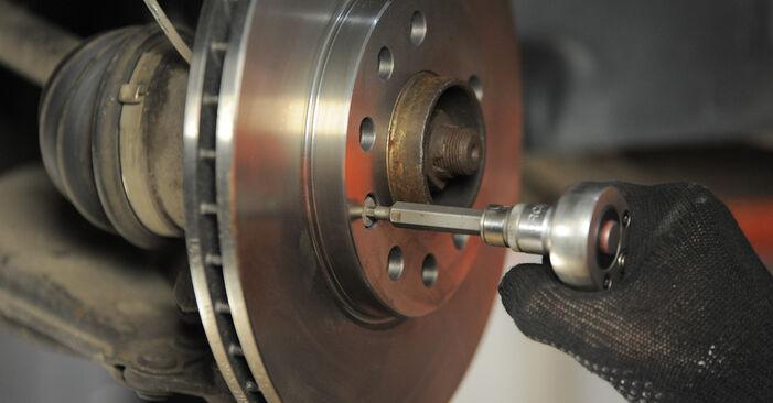 Cómo reemplazar Discos de Freno en un OPEL Astra H Caravan (A04) 2009: descargue manuales en PDF e instrucciones en video