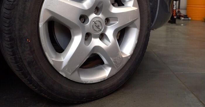 Wie schwer ist es, selbst zu reparieren: Bremsscheiben Opel Astra H Caravan 1.6 (L35) 2010 Tausch - Downloaden Sie sich illustrierte Anleitungen