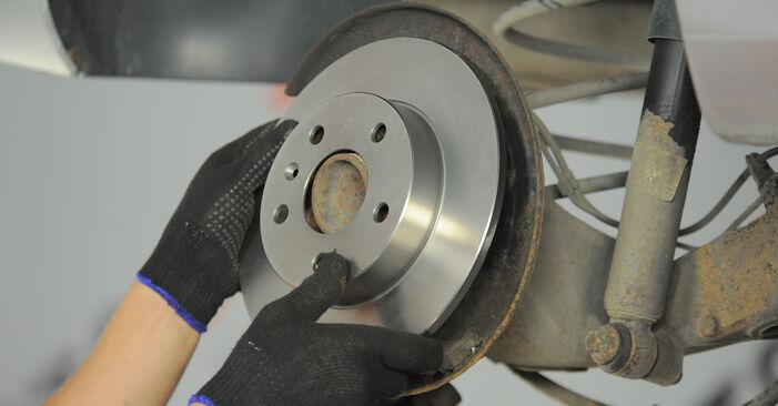 Стъпка по стъпка препоруки за самостоятелна смяна на Astra H Caravan 2006 1.4 (L35) Спирачен диск