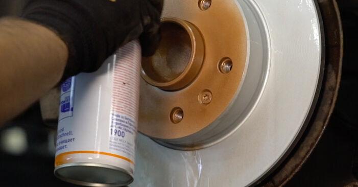 Как се сменя Спирачен диск на OPEL Astra H Caravan (A04) 1.3 CDTI (L35) 2007 самостоятелно
