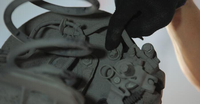 Не е трудно да го направим сами: смяна на Спирачен диск на Astra H Caravan 1.6 (L35) 2010 - свали илюстрирано ръководство