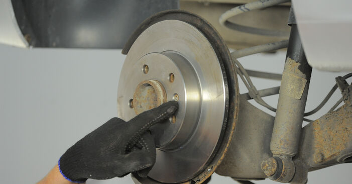 Jak dlouho trvá výměna: Lozisko kola na autě Astra H Caravan 2012 - informační PDF návod