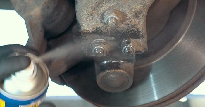Ar sudėtinga pasidaryti pačiam: Ford Mondeo mk3 Sedanas 2.2 TDCi 2006 Amortizatoriaus Atraminis Guolis keitimas - atsisiųskite iliustruotą instrukciją