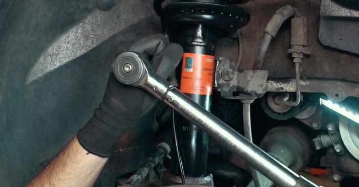 Austauschen Anleitung Stoßdämpfer am Ford Mondeo mk3 Limousine 2002 2.0 TDCi selbst