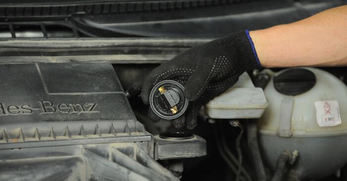 Patstāvīga MERCEDES-BENZ VITO Autobuss (W639) 111 CDI 2.2 (639.701) 2006 Eļļas filtrs nomaiņa