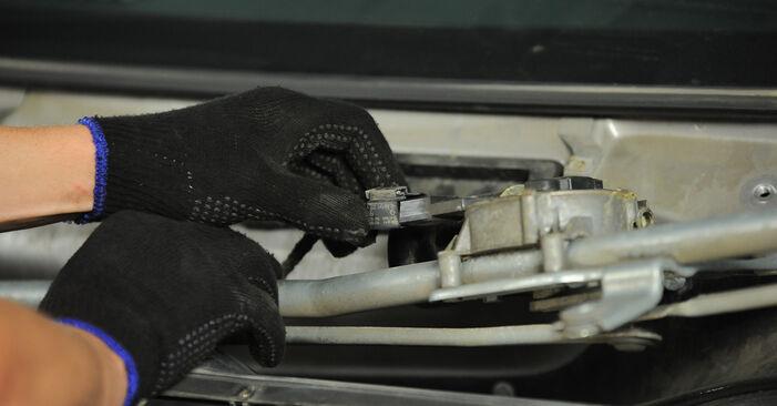 Wie Stoßdämpfer Mercedes Vito W639 115 CDI 2.2 2003 tauschen - Kostenlose PDF- und Videoanleitungen