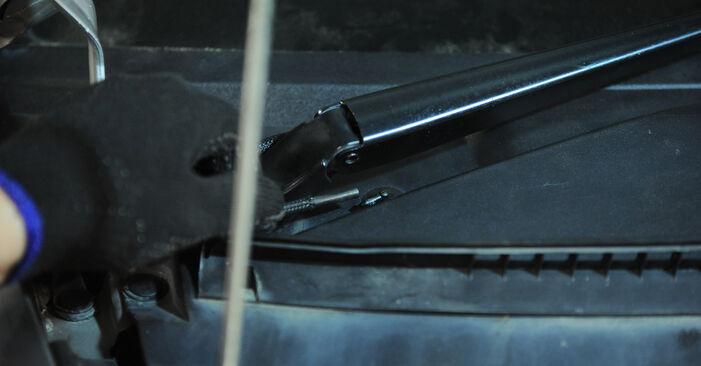 Austauschen Anleitung Stoßdämpfer am Mercedes Vito W639 2013 115 CDI 2.2 selbst