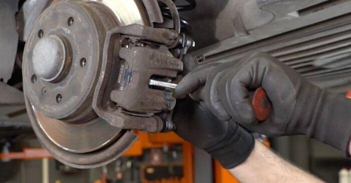 Bremsscheiben Ihres Mercedes Vito W639 110 CDI 2.2 2011 selbst Wechsel - Gratis Tutorial