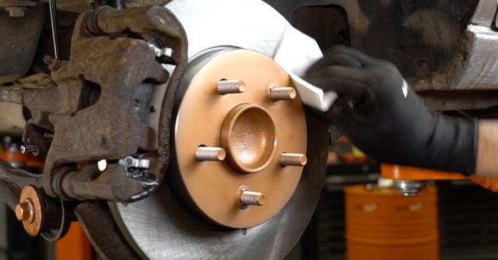 Zweckdienliche Tipps zum Austausch von Bremsscheiben beim FORD MONDEO III Stufenheck (B4Y) 2.0 16V TDDi / TDCi 2006