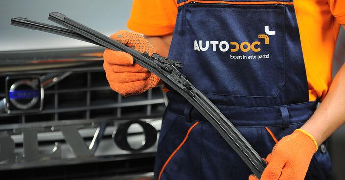 Wie Scheibenwischer Volvo XC90 1 2.4 D5 2002 tauschen - Kostenlose PDF- und Videoanleitungen
