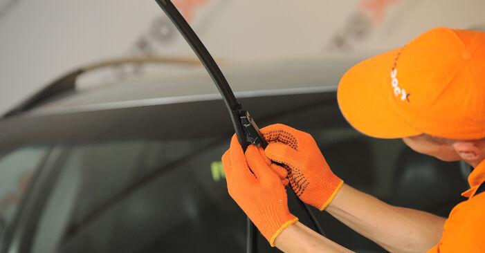 Scheibenwischer Volvo XC90 1 2.9 T6 2004 wechseln: Kostenlose Reparaturhandbücher
