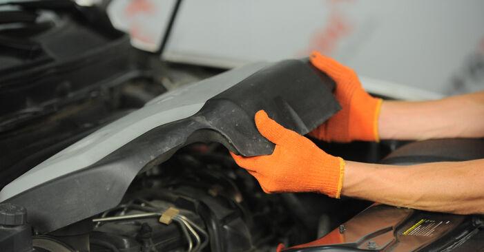 Ölfilter beim VOLVO XC90 2.5 AWD 2009 selber erneuern - DIY-Manual