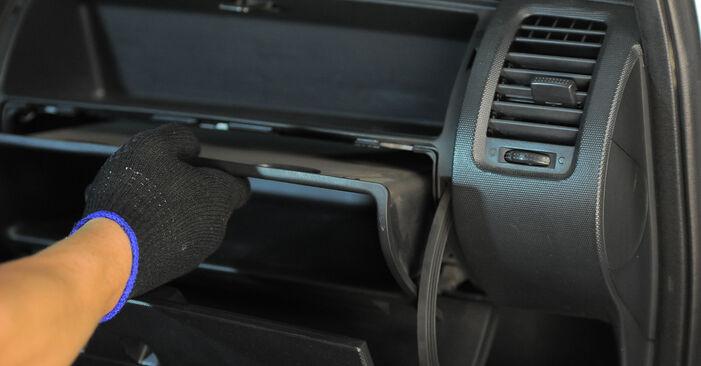 Wieviel Zeit nimmt der Austausch in Anspruch: Innenraumfilter beim Honda Jazz gd 2001 - Ausführliche PDF-Anleitung
