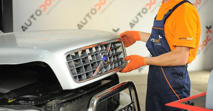 Austauschen Anleitung Bremsbeläge am Volvo XC90 1 2012 2.4 D5 selbst