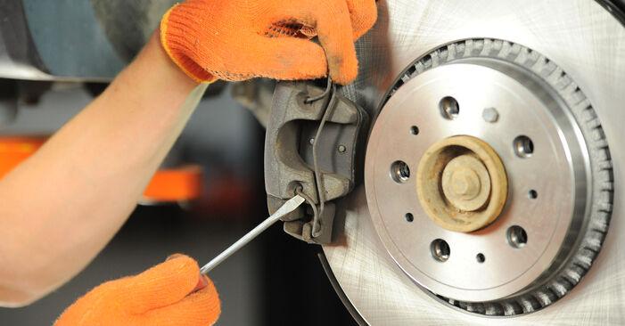 Wie schwer ist es, selbst zu reparieren: Bremsscheiben Volvo XC90 1 2.4 D3 / D5 2008 Tausch - Downloaden Sie sich illustrierte Anleitungen