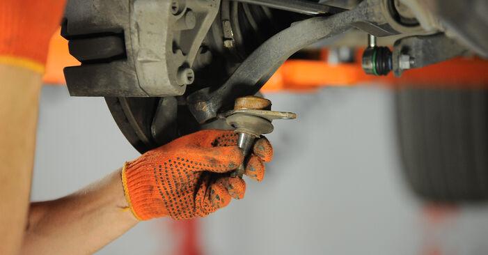 Austauschen Anleitung Traggelenk am Volvo XC90 1 2012 2.4 D5 selbst