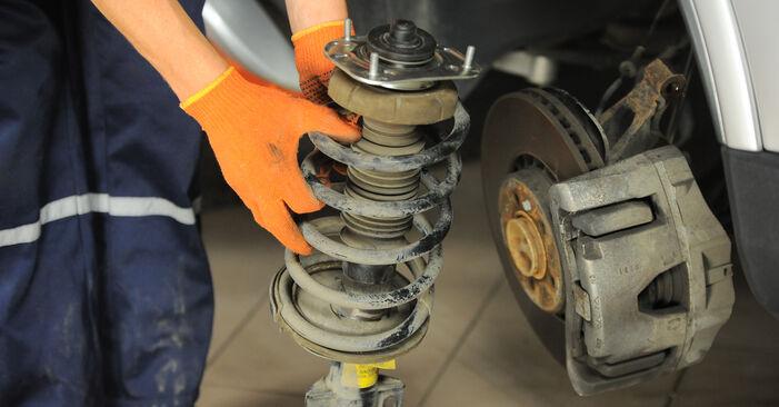 Stoßdämpfer Volvo XC90 1 2.9 T6 2004 wechseln: Kostenlose Reparaturhandbücher