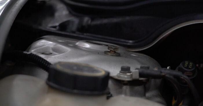 Stoßdämpfer am VOLVO XC90 I (275) 2.4 D5 AWD 2007 wechseln – Laden Sie sich PDF-Handbücher und Videoanleitungen herunter