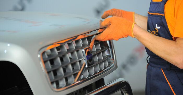 Stoßdämpfer beim VOLVO XC90 2.5 AWD 2009 selber erneuern - DIY-Manual