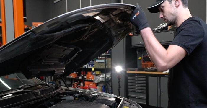 Wie Bremsbeläge Ford Mondeo mk3 Limousine 2.0 TDCi 2000 tauschen - Kostenlose PDF- und Videoanleitungen