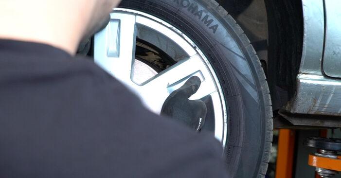 Bremsbeläge am FORD MONDEO III Stufenheck (B4Y) 2.5 V6 24V 2005 wechseln – Laden Sie sich PDF-Handbücher und Videoanleitungen herunter