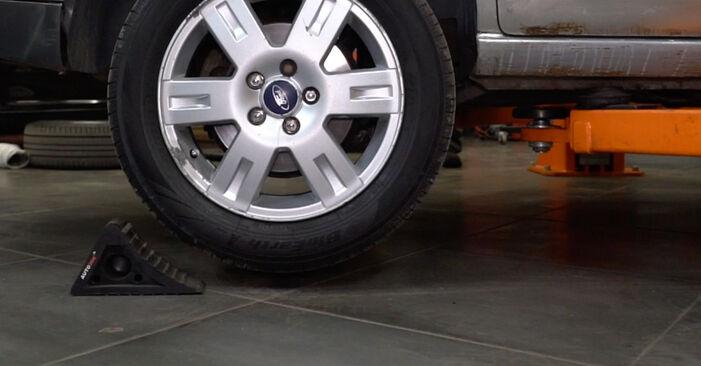 Bremsbeläge Ford Mondeo mk3 Limousine 2.0 16V TDDi / TDCi 2002 wechseln: Kostenlose Reparaturhandbücher